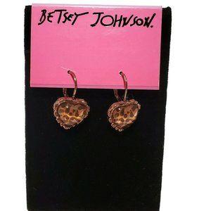 ELEGANT BETSEY JOHNSON LEOPARD HEARTS hook earring
